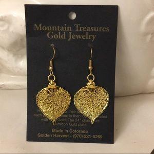 Jewelry - Gold leaf earrings.